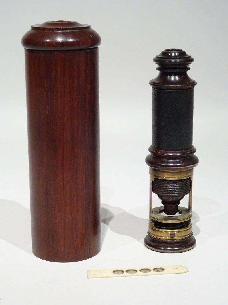 Portable microscope signed Delure A Paris made circa 1720