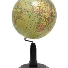 Columbus Erdglobus. Bearbeitet von Oberrealschuldirektor Dr. R. Neuse. Neurevidiert von Kartograph C. Luther.