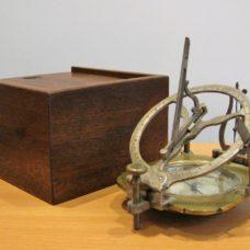 Rare hight-lattitude Russian portable sundial by Zahava dated 1816