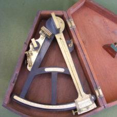 GOOD LIVERPOOL OCTANT IN MAHOGANY KEYSTONE BOX BY OWENS