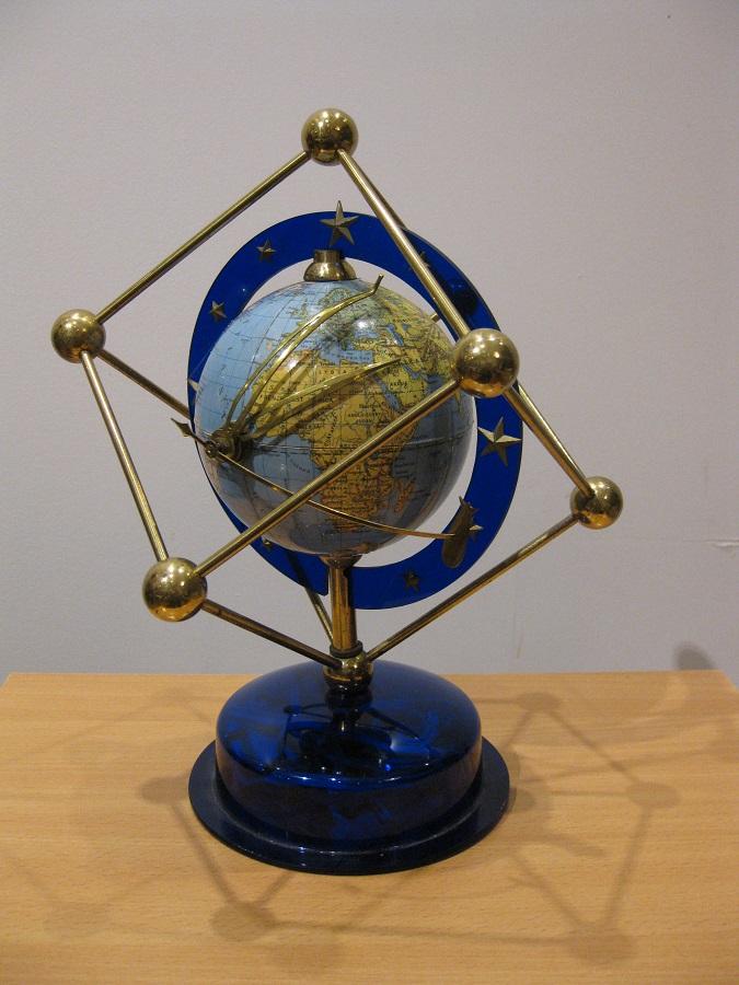 A Dutch clock terrestrial globe by the Eerste Nederlandsche globe industrie Zwolle 1950s