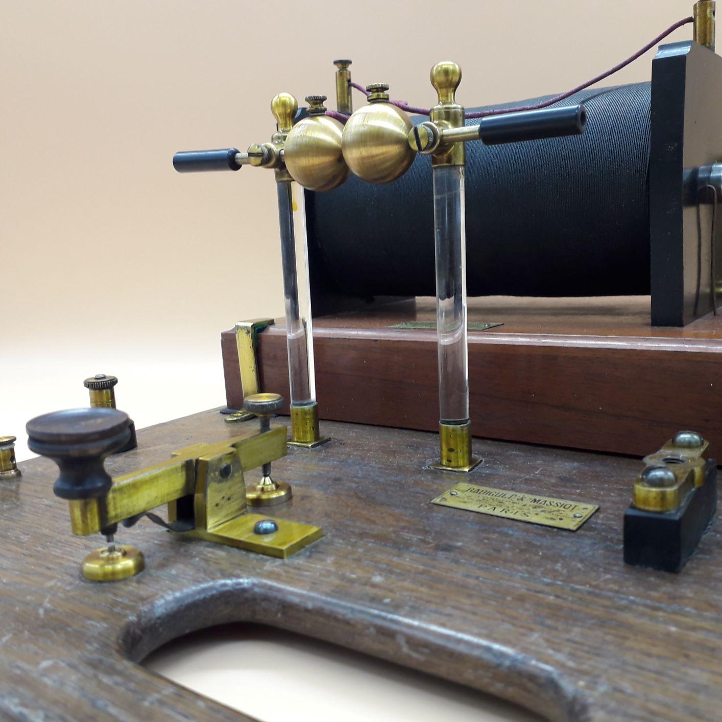 A rare Wireless telegraph, by Radiguet & Massiot