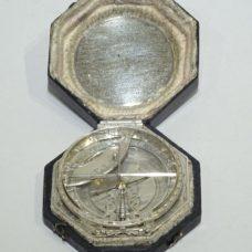 Octogonal equatorial silver sundial signed Johann Willebrand made circa 1710/1720