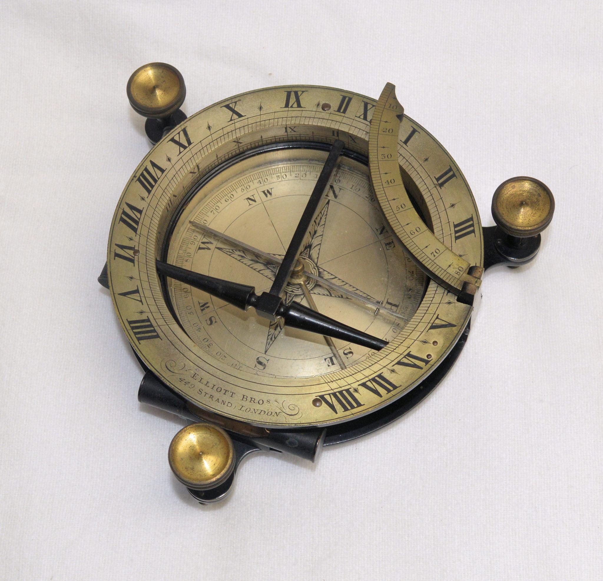 Equinoctial universal compass sundial in case – Elliott Bros., Strand.