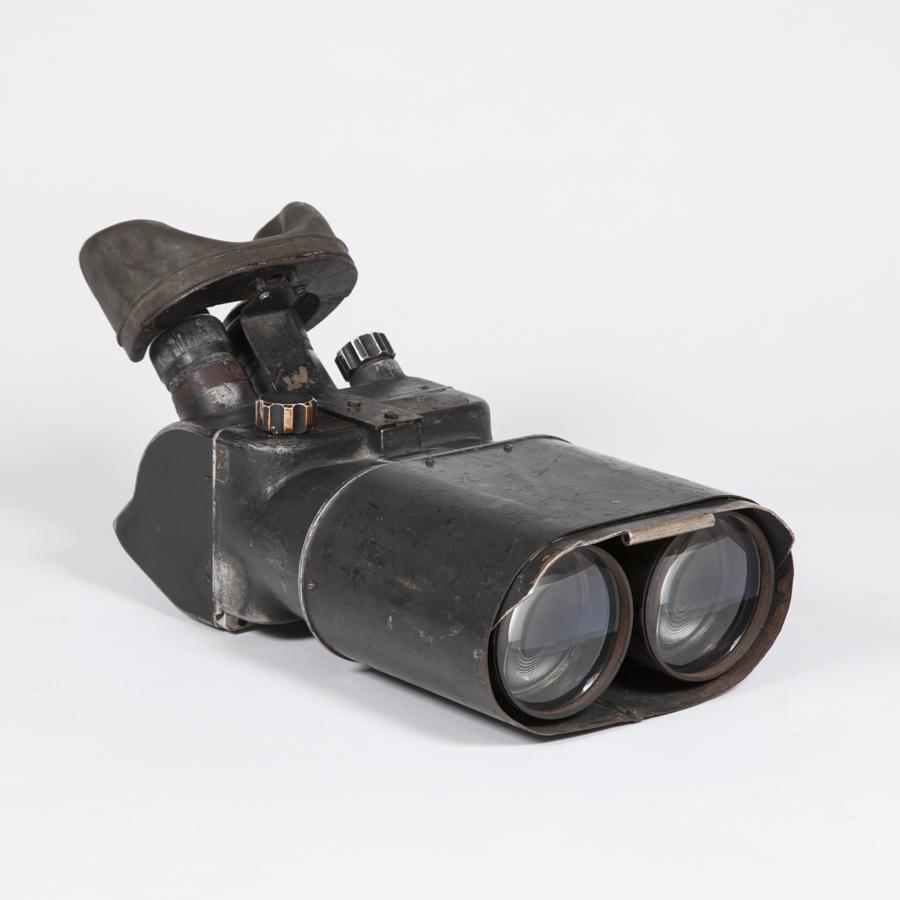 WWII 25 x 105 binoculars by Schneider, Göttingen.