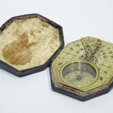 Brass octogonal horizontal sundial signed DELURE A PARIS