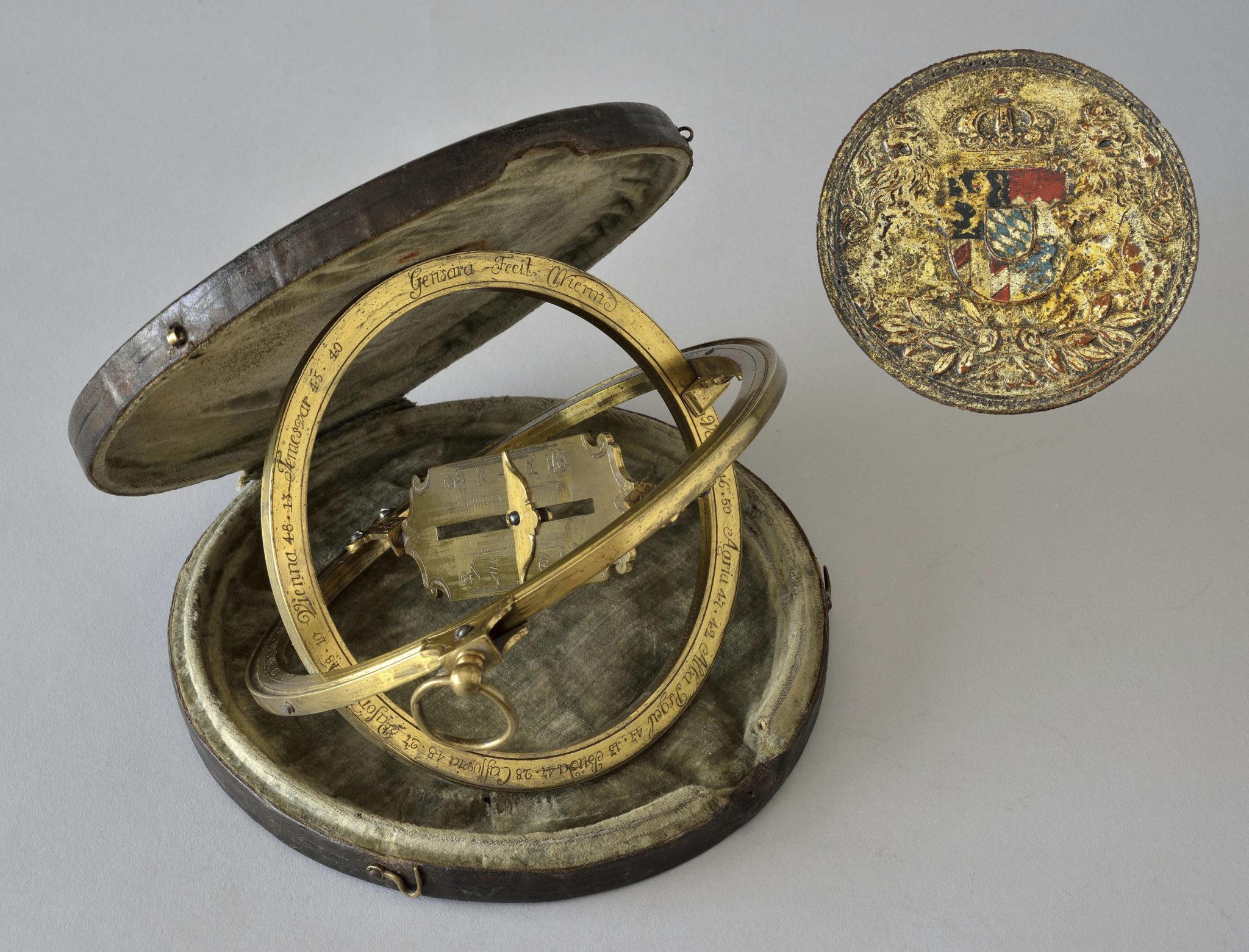 Equatorial universal ring dial in brass signed Gensara Fecit Wienn