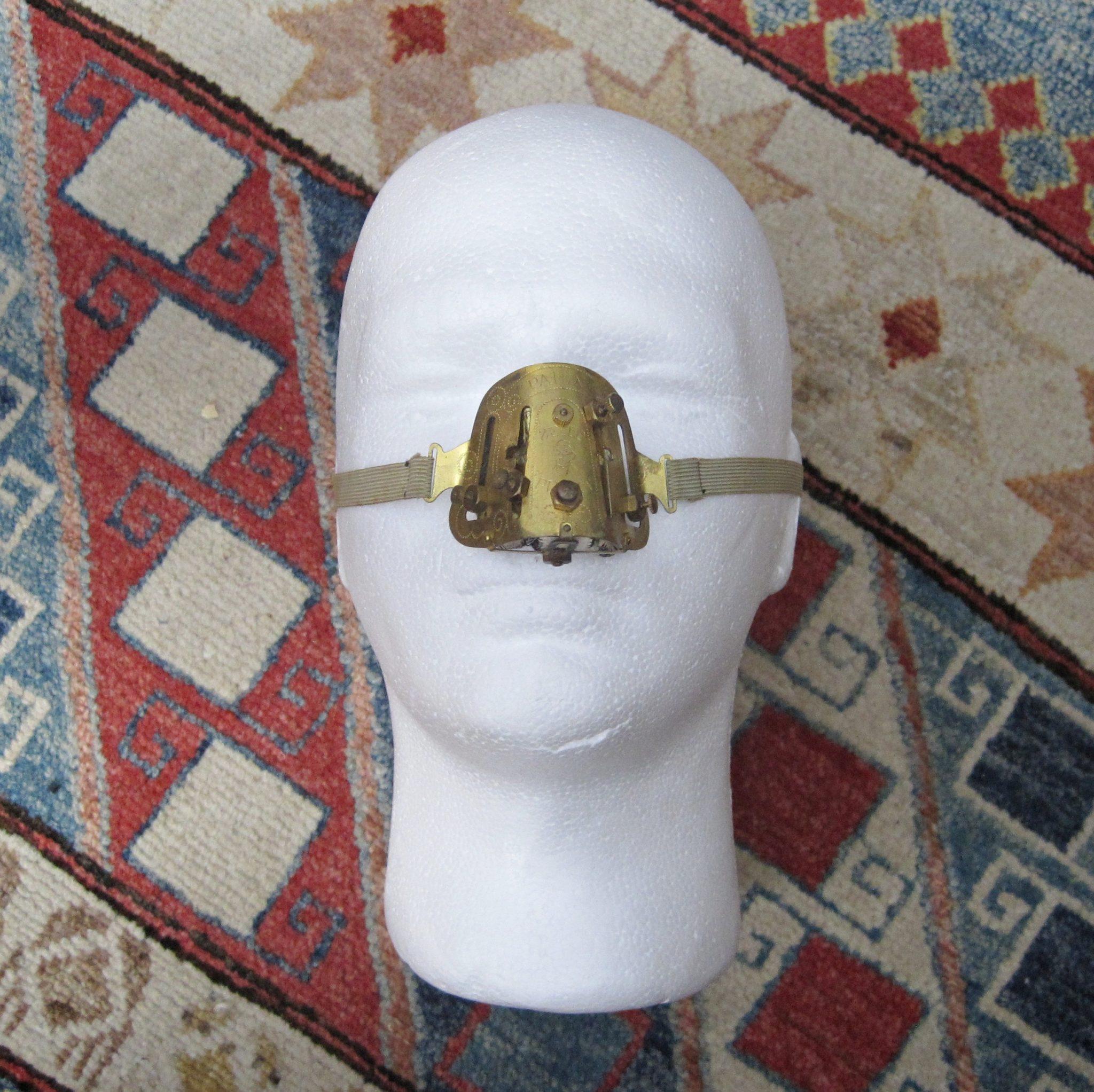 1920s  Zello Punkt Nose Shaper