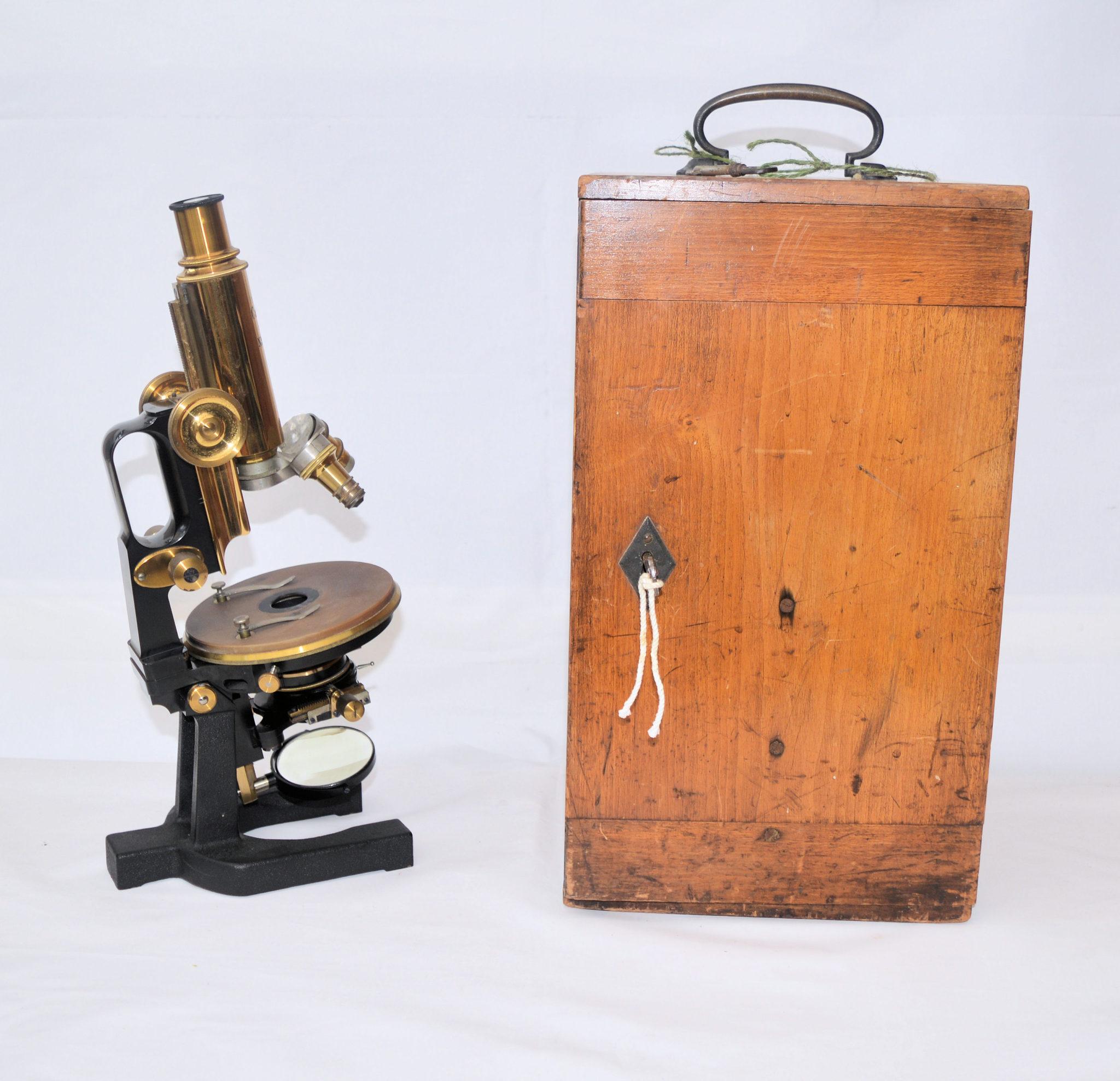 Zeiss Jug Handle microscope in case.